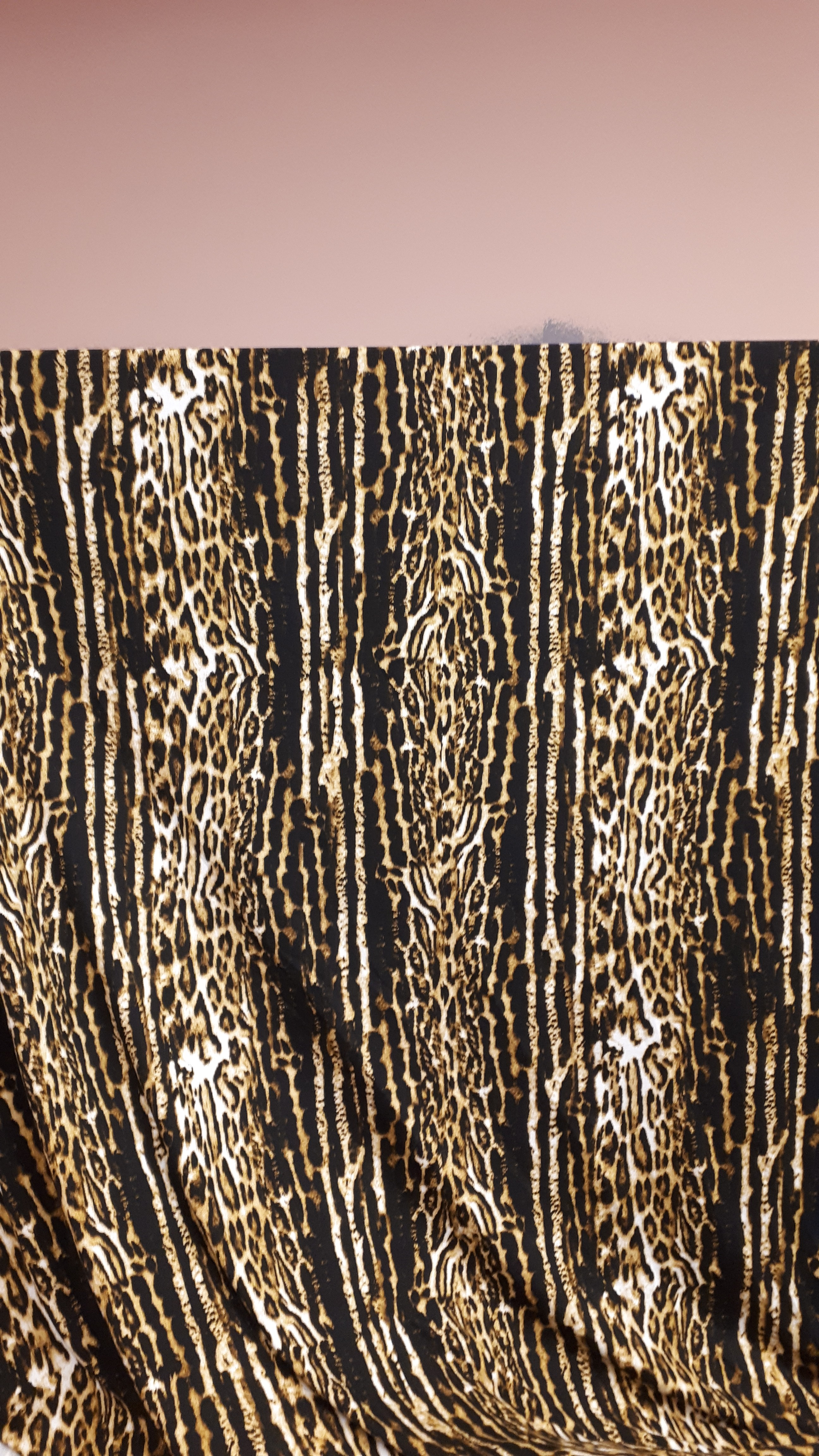 Aimal print melni-dzeltenā trikotāža - viskoze ar elastānu